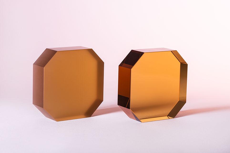 farbige-polygone-Laseroptiken